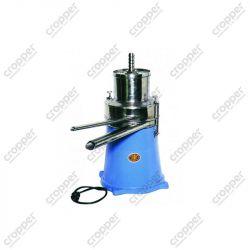 Сепаратор-сливкоотделитель Мотор Сич-500 с двигателем ДАТ-0,18 и импортным пускорегулирующим устройством.
